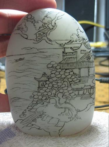 2003年在《周口市职业技术学院》,学习玉雕设计制作,专功山子雕,学院